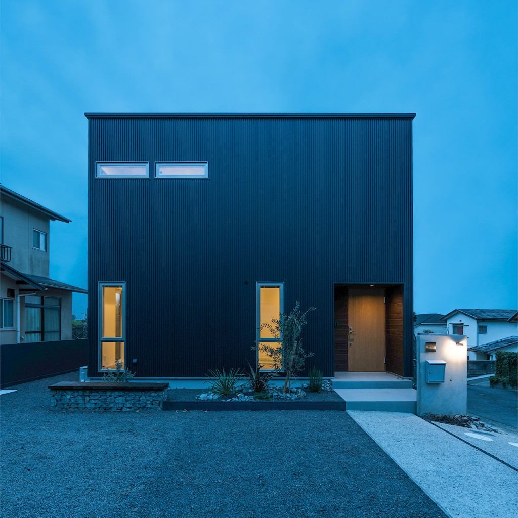 am-house-outer2